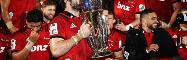 Crusaders-with-Super-Rugby-trophy